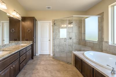 Master Bath – The Angelina | Customer Home in Brazoria County – May Contain Plan Changes and Upgrades Tilson Custom Home Photo